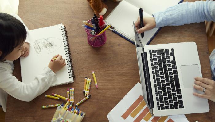 シングルマザーの起業|メリットやデメリット・注意するポイントを徹底解説!